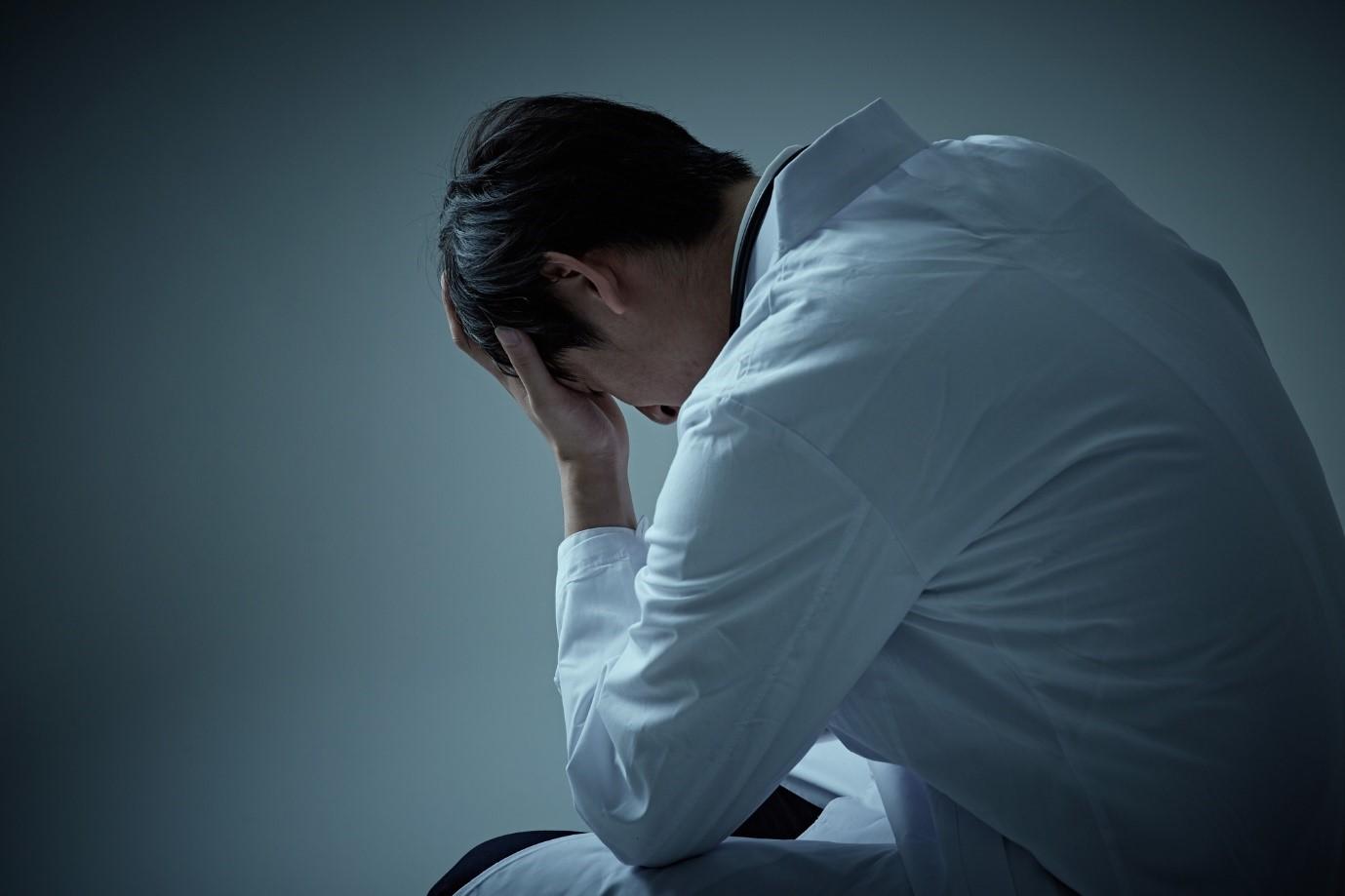 大切な人が「死にたい」と漏らしたら……周囲の対応法【精神科医が解説】