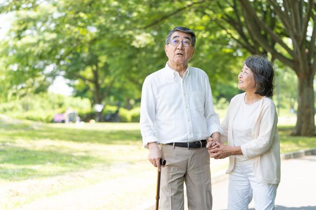 """人生100年時代、「死ねない日本人」が直面する""""長生きのリスク"""""""