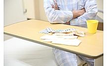 高齢者が薬の副作用を起こしやすい、主な2つの理由