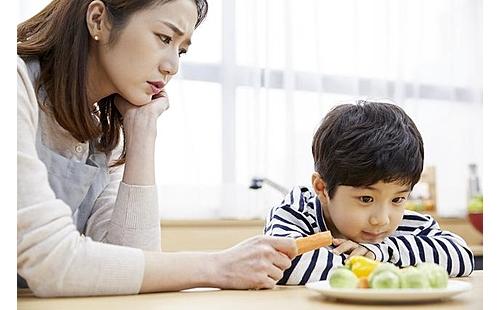 子どもの気質や育て方にも原因が 「偏食」の最新研究